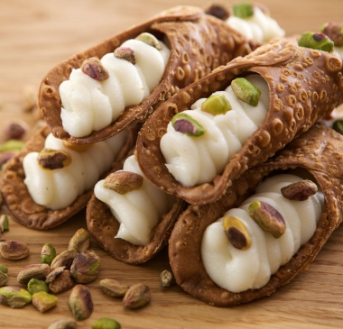 1+1 Free Cannoli Siciliani